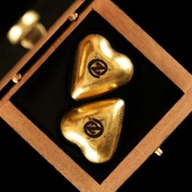 Gold Hearts of Chocolate Duo | Each Hand Molded with 2 Gold Leaves 24K | Vanilla Bourbon de Madagascar Essence | 2 pcs - 79x78x38mm - 18g