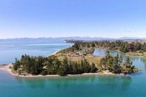 Jacket iSland - Motueka | New Zealand